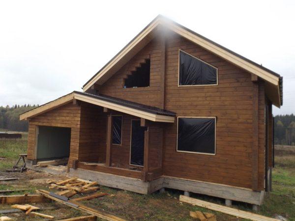 Дом из профилированного бруса с гаражем 10-8, 2 этажа , брус 170-170